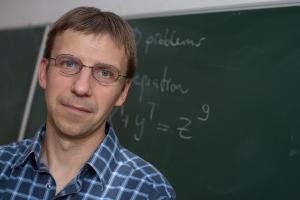 Instructor Péter Juhász